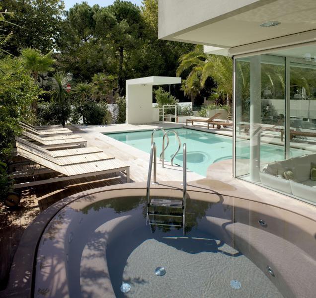 Piscina esterne personalizzate piscina per esterno - Piscine esterne ...